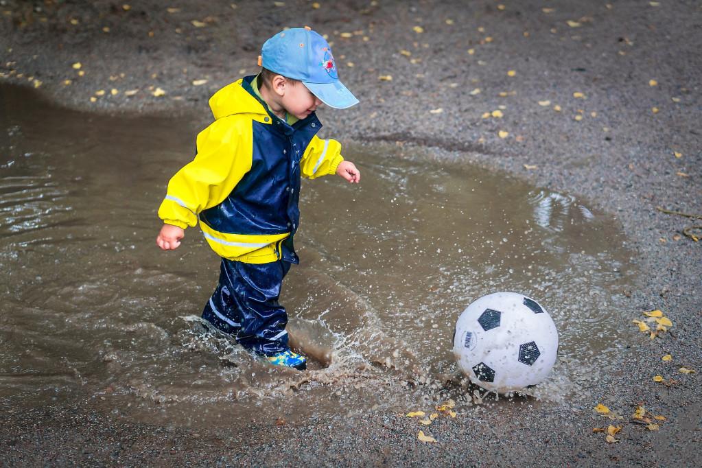 Hold dit barn varm og tør med regntøj