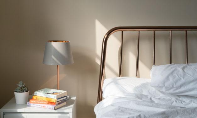 Sov trygt med et nyt og lækkert sengebord
